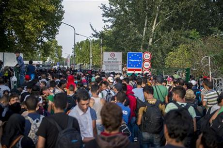 Migrants pour into Croatia after Hungary clashes (PHOTO)