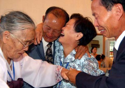 North and South Korea agree to family reunions in October