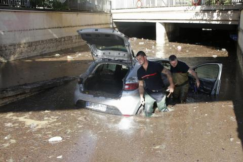 Flash floods in France kill at least 17 people (PHOTO, VIDEO)