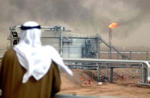 Saudi Arabia tops Russia in oil production