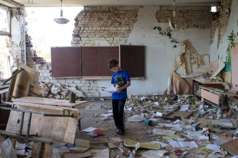 NYT: Eastern Ukraine's young people face a future put on ice