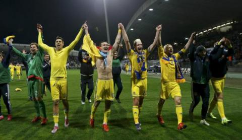 "Reuters: Ukraine mounts soccer show of unity, but east ""blind"" to success"