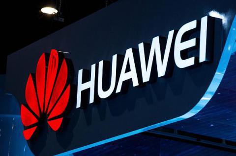 Huawei shipped 100 million smartphones in 2015