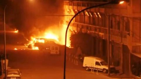 Battle rages for Burkina Faso hotel as suspected Islamists kill at least 20 (VIDEO)