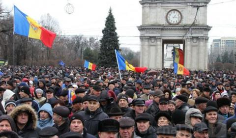 Stratfor: Moldova finally appoints Govt amid protests