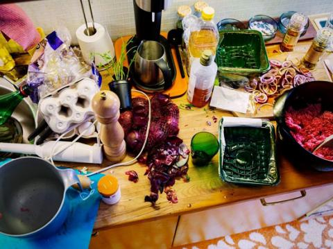 Messy kitchens could make you eat more