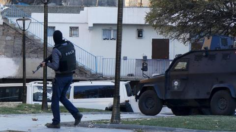 Would-be suicide bomber among 10 suspected ISIS members held in Turkey
