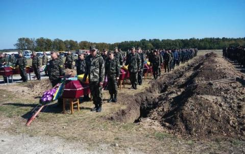 About 10,000 killed in Donbas, including over 2,700 Ukrainian troops