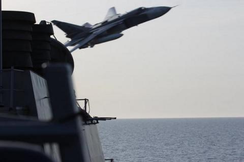 Two Russian jets simulated attack near U.S. destroyer 'Donald Cook' in Baltic (VIDEO)
