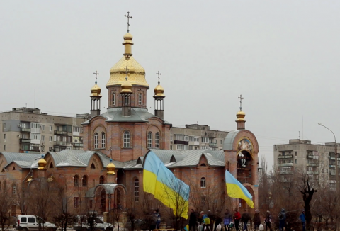 Flags and churches: Is there any sense in the fight between the symbols? (VIDEO)