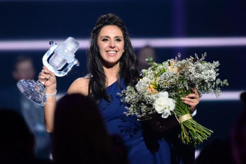 Ukrainian President gave Jamala title of Honored Artist of Ukraine
