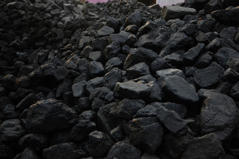 11 Ukrainian state coal mines may be closed, 15 - privatized