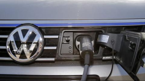 Norway to ban gas-powered car sales by 2025