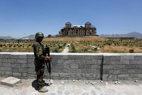 "War-torn Afghanistan restoring bombed-out ""safe haven"" palace (PHOTO)"