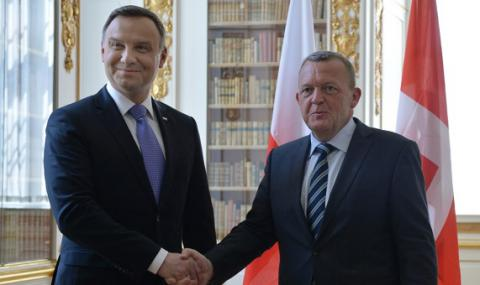 Anti-Russia sanctions must stay in place till Minsk agreements not fulfilled - Rasmussen, Duda