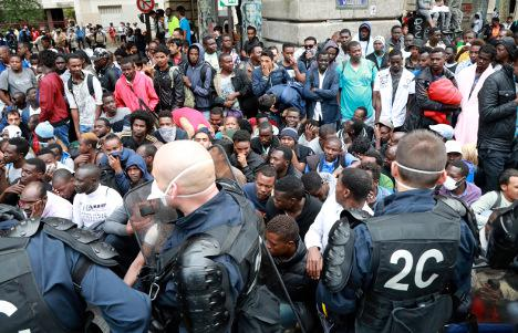 Thousands of migrants were resettled from Paris camp