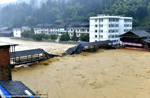 Week-long floods took almost 130 lives in China