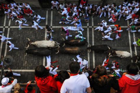 San Fermin festival: 4 injured during street bull-run in Spaine (VIDEO)