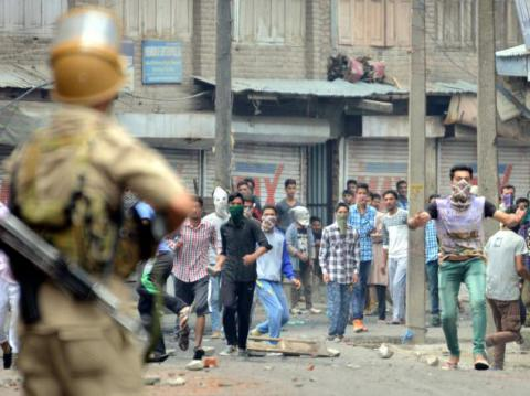 Unrest in India: over 20 killed since Friday