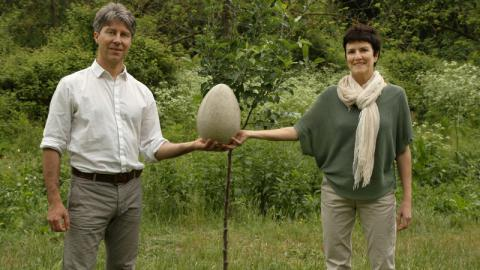 Italian start-up offer burial in ecologically friendly giant egg
