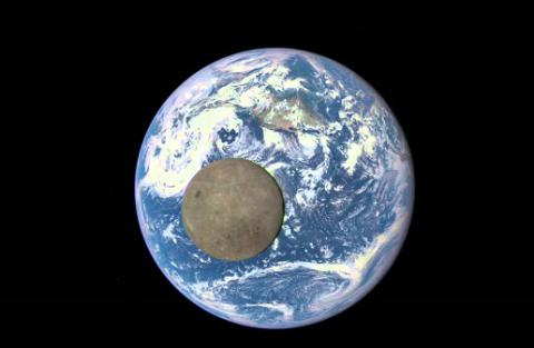 NASA films moon crossing Earth's facefor 2nd time in a year (VIDEO)
