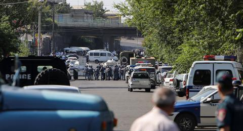 Armed group seized police building in Yerevan, releases 1 hostage of 6