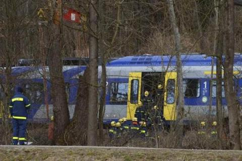 Law-enforcers found hand-painted ISIS flag in room of German train attacker