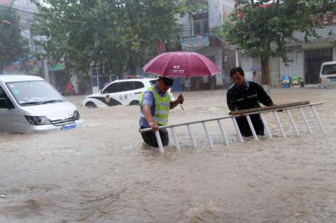 75 dead or missing since Monday in northern China's recent flooding (PHOTO, VIDEO)