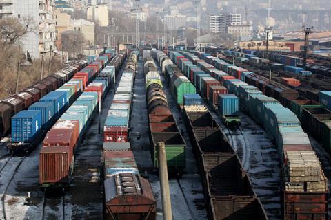 Ukrzaliznytsia to improve railway company's international operations to end of 2016