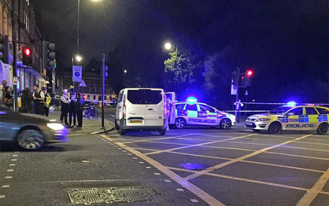 1 killed, 5 injured in central London knife attack