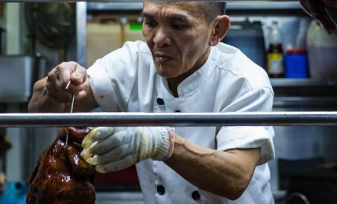 Michelin for the very first time bestowed stars on street food (VIDEO)