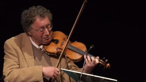 Renowned violinist Paul Robertson before his death told in the memoirs abut his travels to the other world