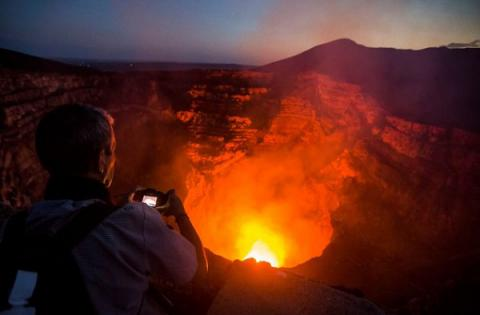 """Mouth of Hell"" volcano get connected to Internet"