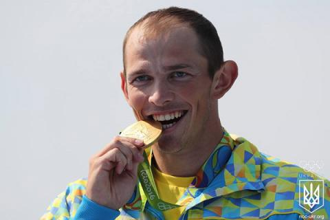 Olympic champion Yuriy Cheban could have brought to Rio canoe with image of missile blowing up in Moscow