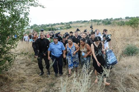 Loschynivka's community in Odesa region demand gipsies' eviction after little girl's murder