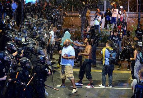 2nd night of violent protests in North Carolina over Charlotte police shooting