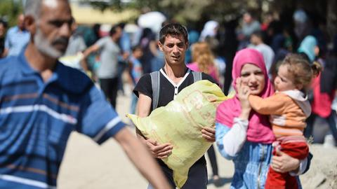 Syrian refugees started return home from Turkey
