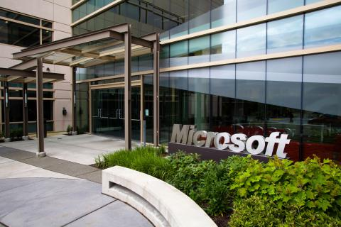 "Microsoft to ""solve"" cancer in 10 years"