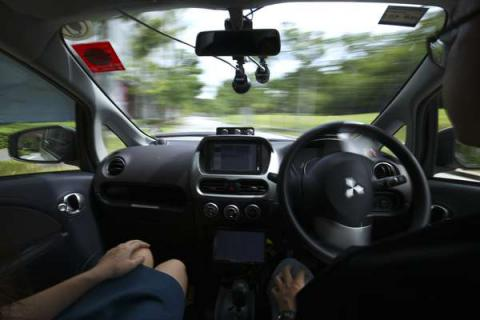 Singaporeans can ride 'robo-car' self-driving taxis for free