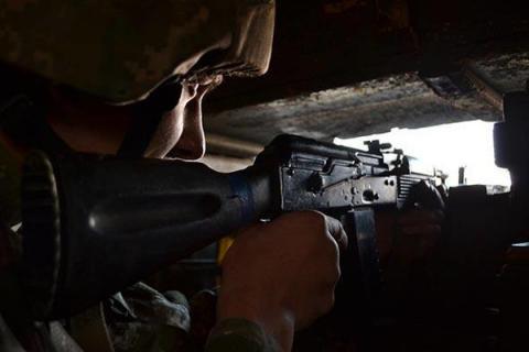 Pro-Russia militants keep break ceasefire agreement in Donbas