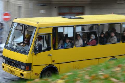 Ministry of infrastructure to introduce e-tickets in minibuses across Ukraine