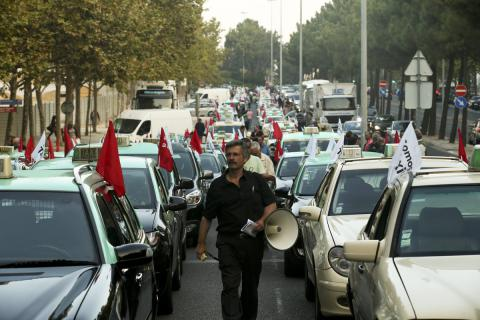 Taxi drivers in Portugal rallied against Uber