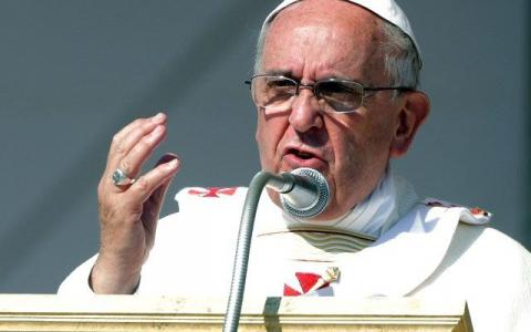 Pope begs for ceasefire in Syria