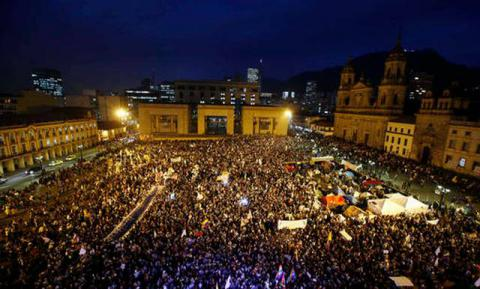 Colombians march to support peace deal with FARC