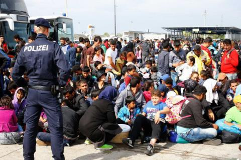 Austria urges to extend EU emergency border checks