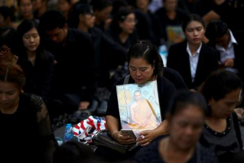 Thailand to mourn for deceased King at least 15 days before successor can ascend throne - PM