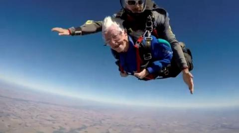 Fearless Granny Celebrates 95th Birthday by Skydiving From 13,000 Feet in the Air