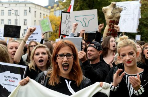 Poland proceeds protests over abortion