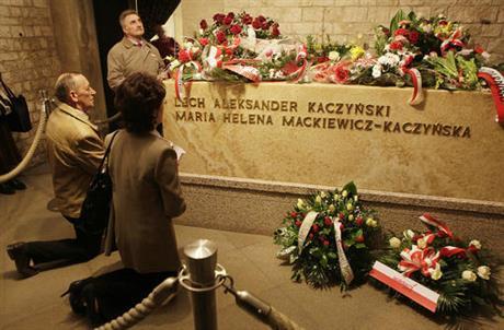 Polish President Lech Kaczynski's body to be exhumated for new probe on plane crash in 2010