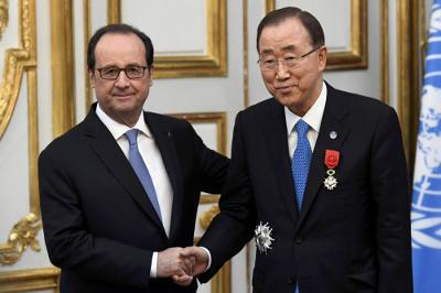 Hollande awarded France's Legion of Honour to Ban Ki-moon